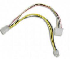 "Wiretek kabel napájecí 5,25"" Molex s vývodem na P4 ATX 15cm (CC-PSU-4)"